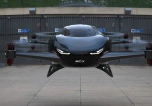 Uçan araba 2025'te göklerde